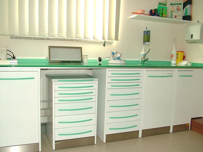 Arredamento studio dentistico wk42 regardsdefemmes for Mobili per lo studio di casa