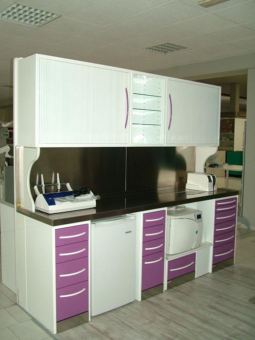 Produzione arredamento per lo studio dentistico mobili for Mobili per studio